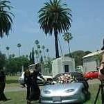 Chi ha ucciso l'auto elettrica? Un mistero che sa di petrolio